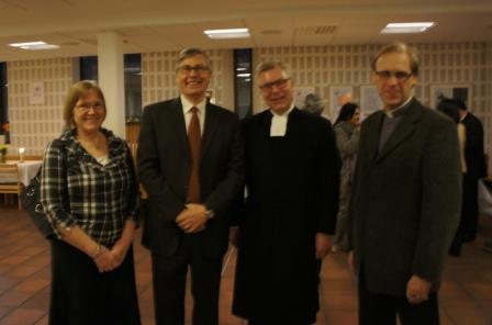 Birgitta o Ulf Ekman (Livets Ord), adjunkt Lars Åstrand (Sv Kyrkan, ärkebiskopens kansli) , Olle Kristensen, SKR