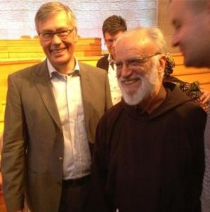 Ulf Ekman och Raniero Cantalamessa på Europakonferensen i Uppsala juli 2013
