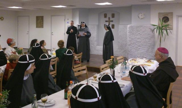 Moder Tekla talar i Domkyrkosalen, Katolska Domkyrkan Stockholm 13 okt 2013