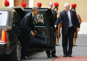U.S. PRESIDENT ARRIVES AT VATICAN FOR MEETING WITH POPE