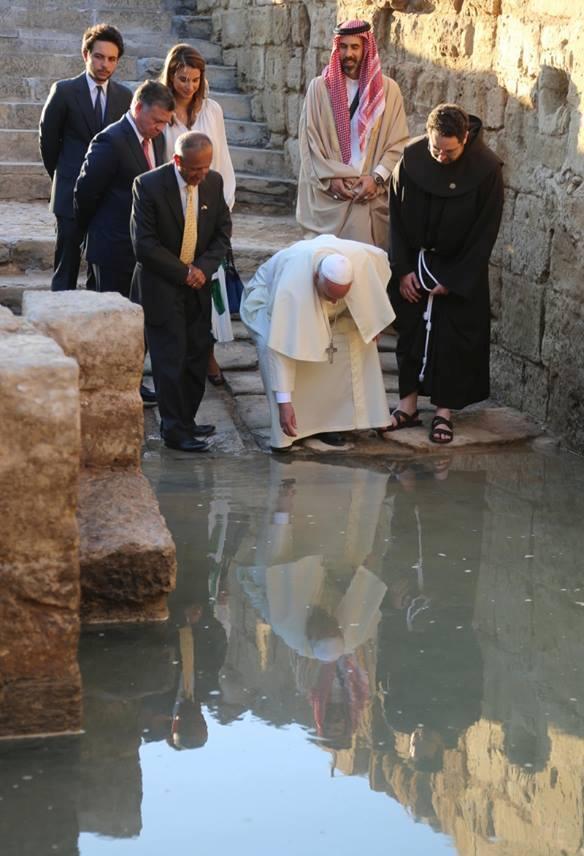 Påve Franciskus besökte nyligen det ställe vid Jordanfloden där Johannes döparen verkade.