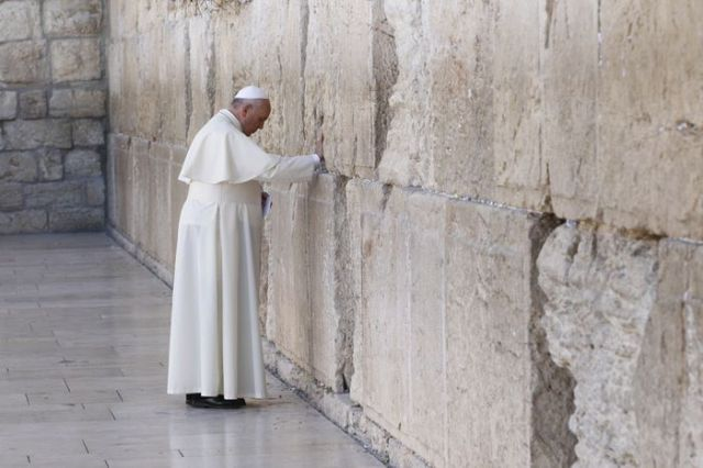 popewesternwall1