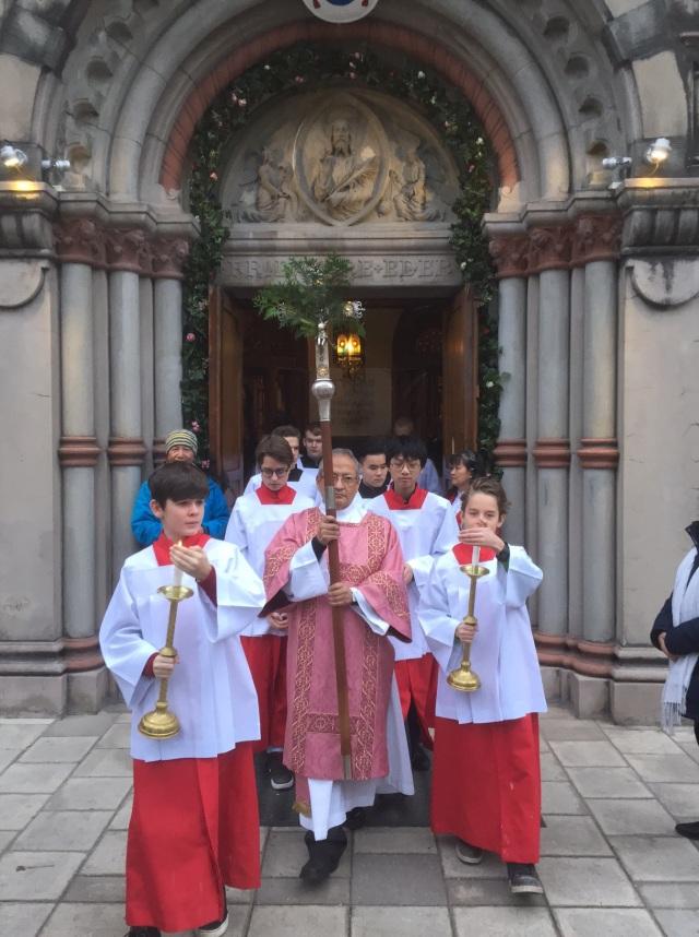 Söndagen den 13 december inledde biskop Anders Barmhärtighetens jubelår i Katolska domkyrkan genom att symboliskt öppna den heliga porten.